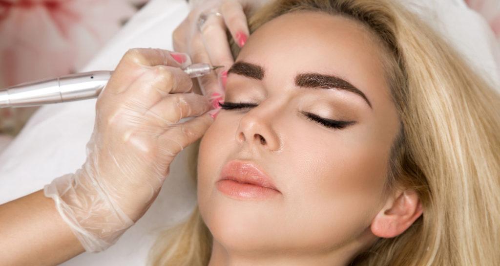 Как можно избавиться от старого перманентного макияжа
